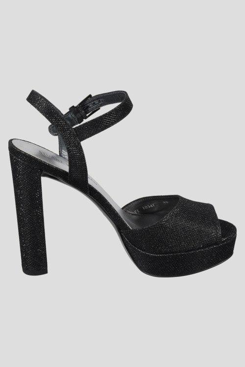 Босоножки на каблуке Stuart Weitzman