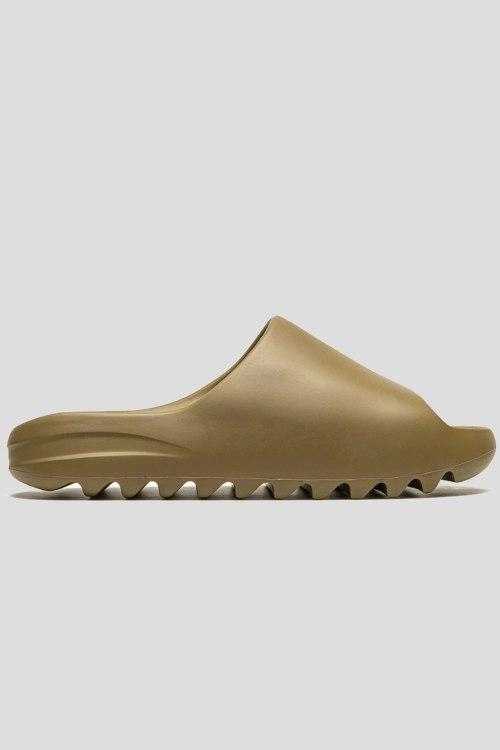 Вьетнамки и слайдеры Adidas Yeezy